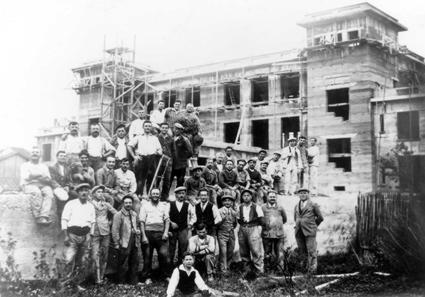 Chantier lyonnais employant des ouvriers piémontais (province de Biella) - années 1930